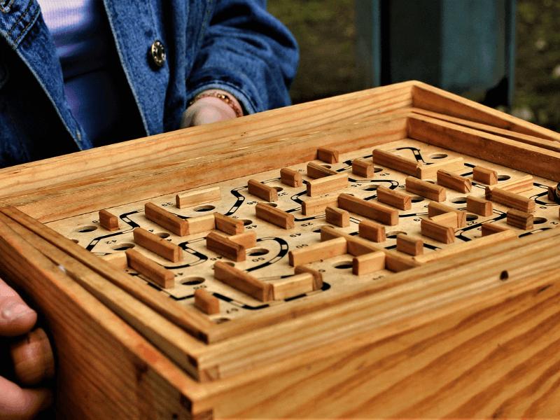 Jouet-ancien-colore-durable-bois
